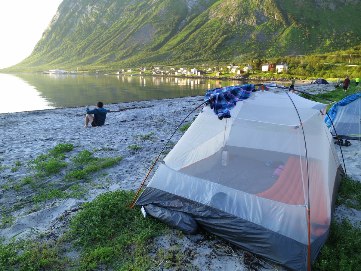 Camping on the beach at Steinfjord